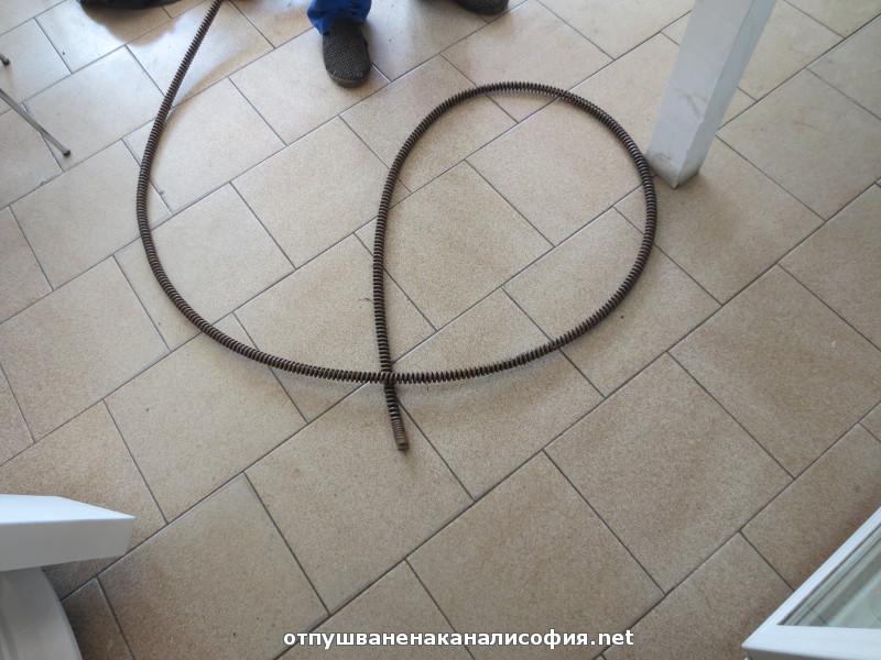 За отпушването бяха необходими 3 спирали по 4.5 метра
